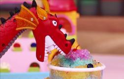 喷火龙吃冰淇淋蛋糕